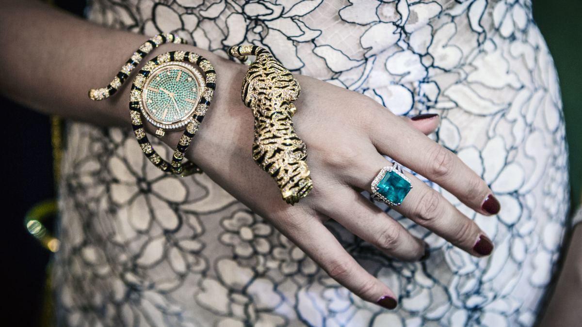 Blingdo.com offer personalized luxury jewelry custom