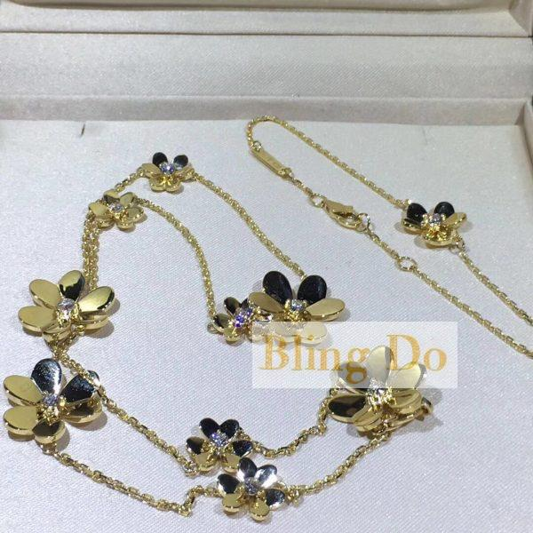 van cleef and arpels Frivole necklace, 9 flowers