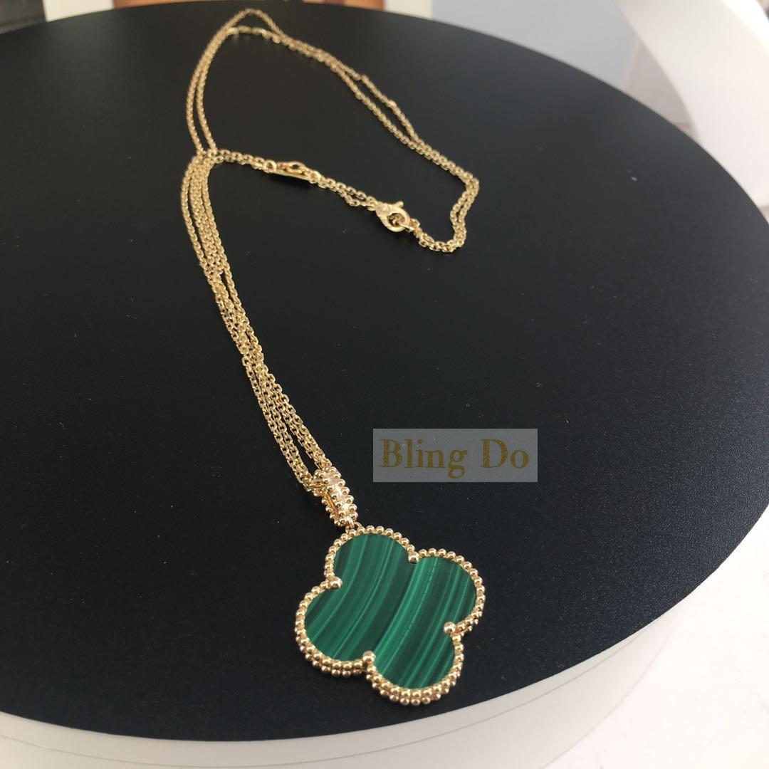 Van Cleef & Arpels Magic Alhambra long necklace 1 motif Malachite Yellow gold
