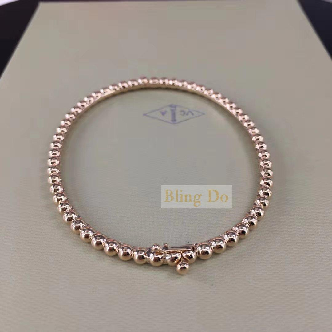 VCA Perlée pearls of 18k yellow gold bracelet medium model