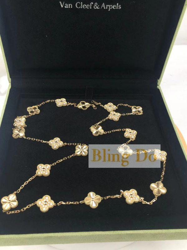 Van Cleef & Arpels Vintage Alhambra long 18K Yellow gold necklace, 20 motifs with Diamond