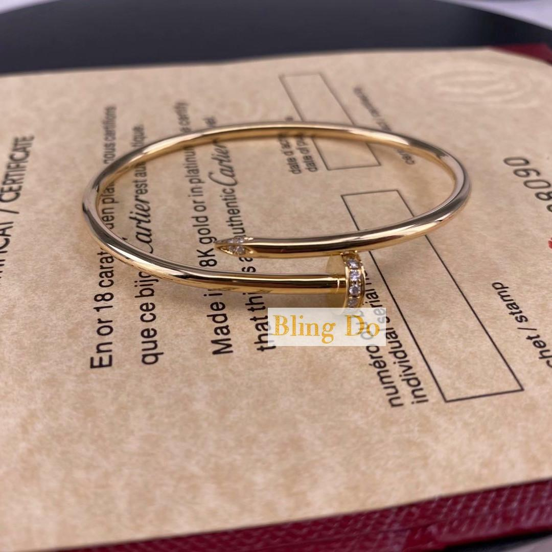 Juste Un Clou Cartier SM in 18K Yellow Gold Bracelet with Diamonds