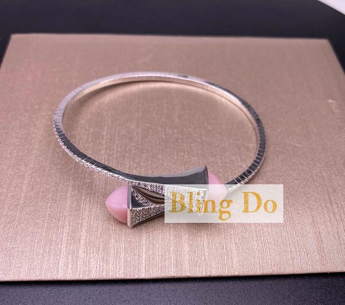 MARLI CLEO DIAMOND SLIP-ON BRACELET 18 KARAT GOLD DIAMOND SLIP-ON BRACELET