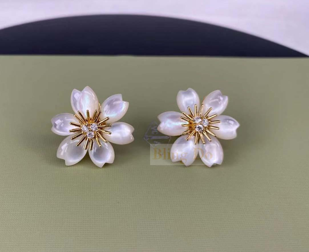 Van Cleef & Arpels Small Model Rose De Noël 18K Yellow Gold Earrings with Diamond and Mother-Of-Pearl