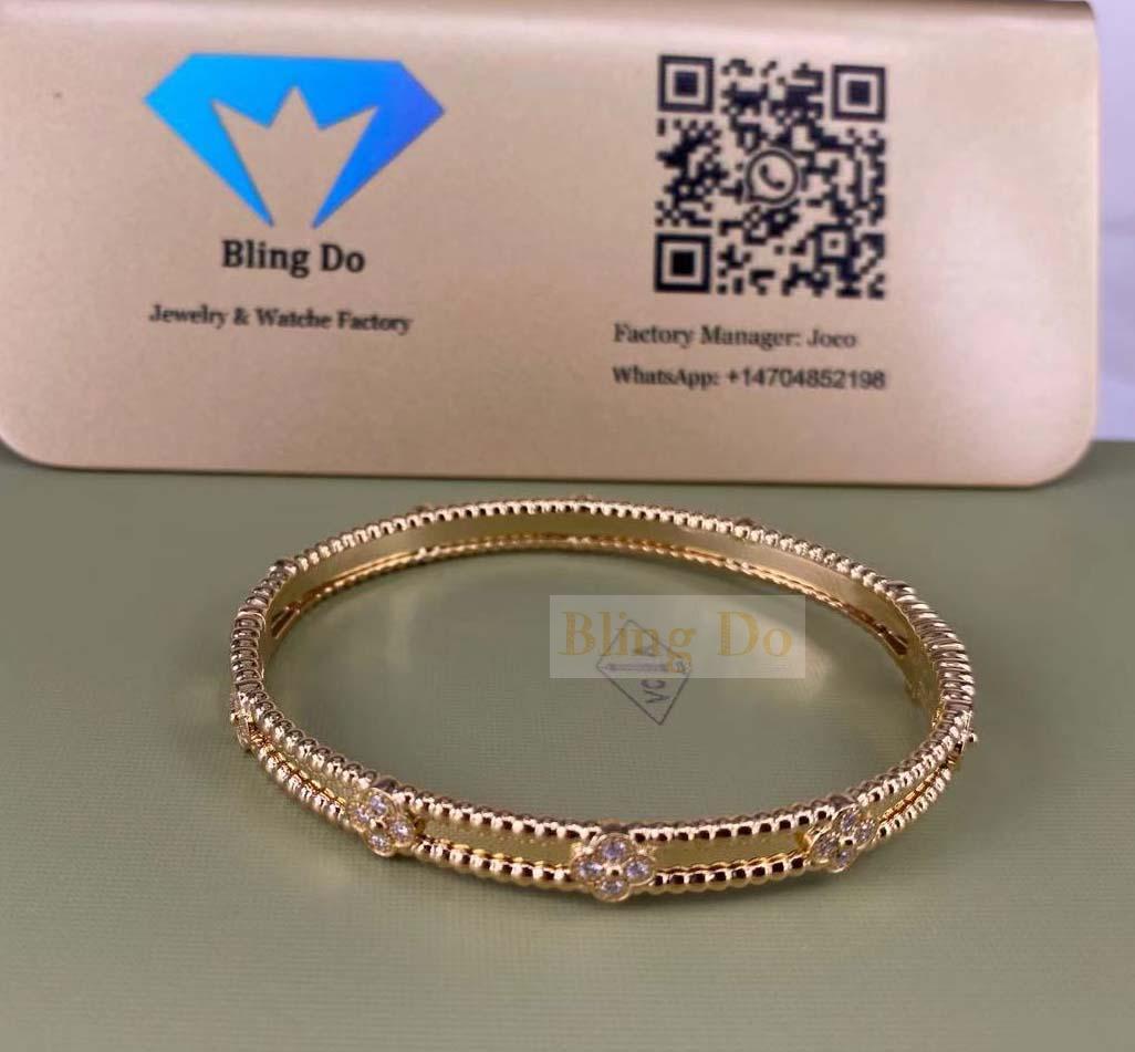 VCA Perlée Sweet Clovers 18K Yellow Gold Bracelet with Diamond, Medium Model